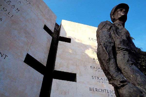 Alencon-Monument-Leclerc
